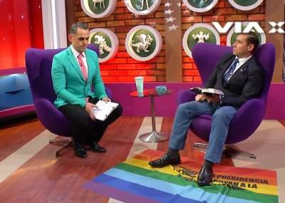(VIDEO) Pastor Soto protagoniza ataque homofóbico en plena entrevista